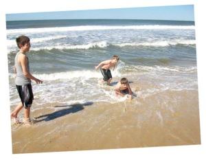 Boys:surf